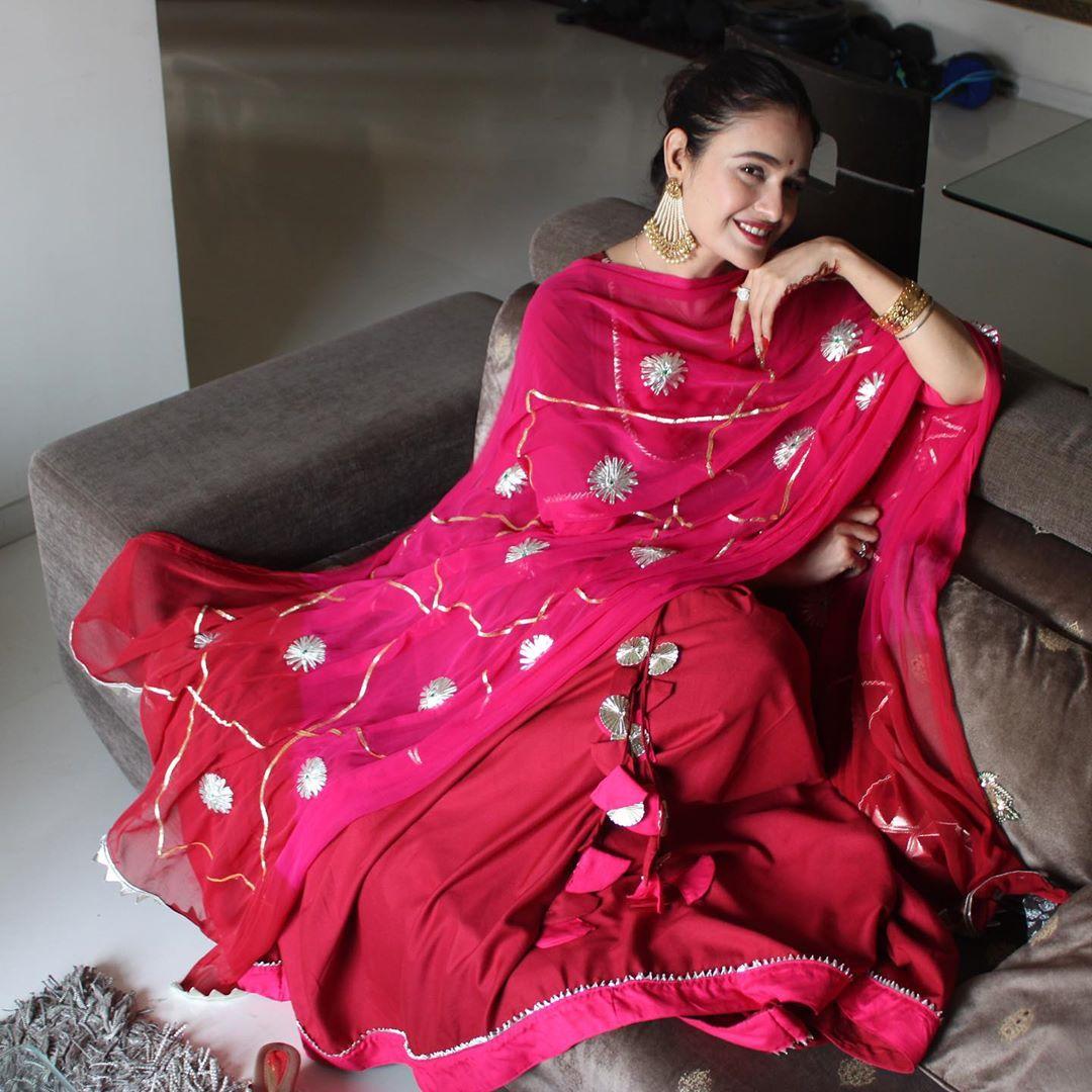 yuvika chaudhary karvachauth pictures