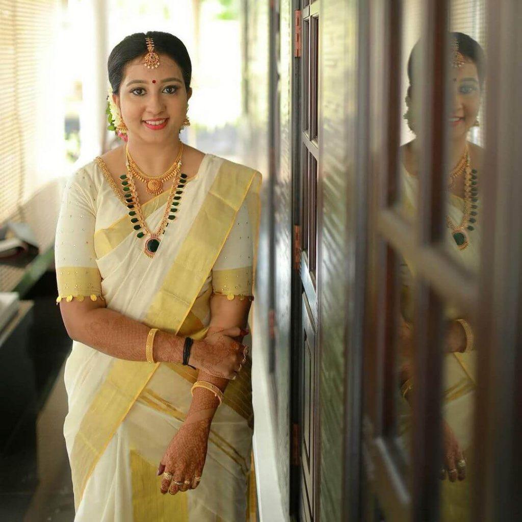 kasavu-saree-ideas