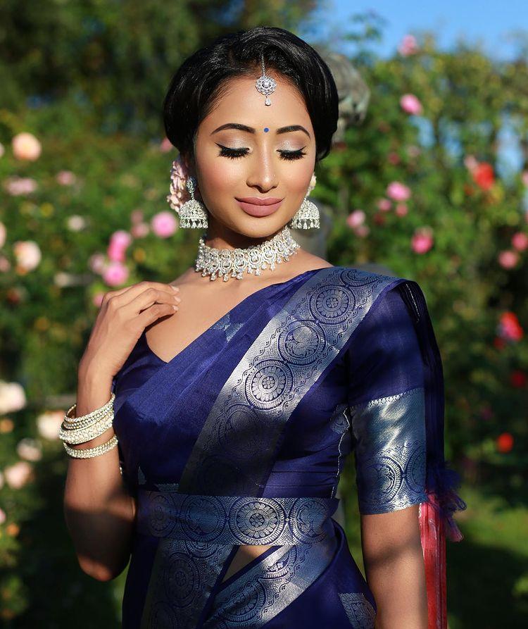 blue kanjeevaram saree