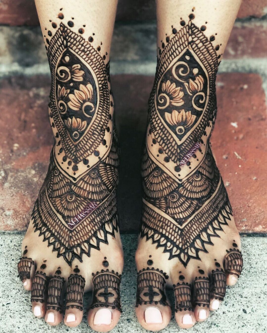 lotus feet mehendi