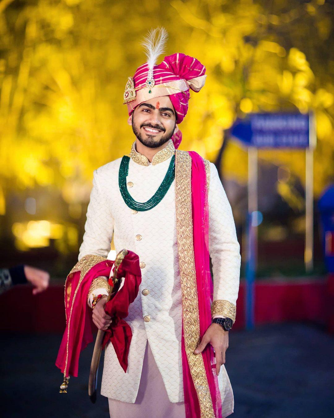 pink lehriya groom pagri