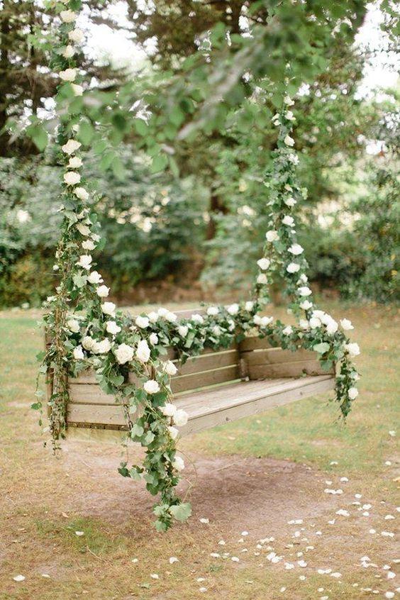 white roses oonjal decor