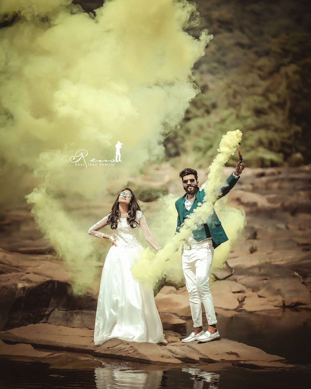 pre wedding shoot using smoke bombs