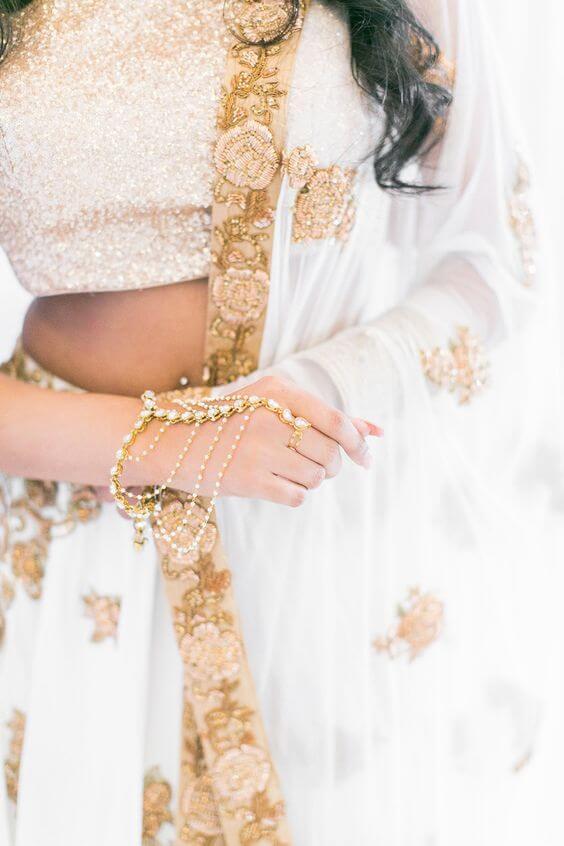 Neutral Minimal bridal aesthetic