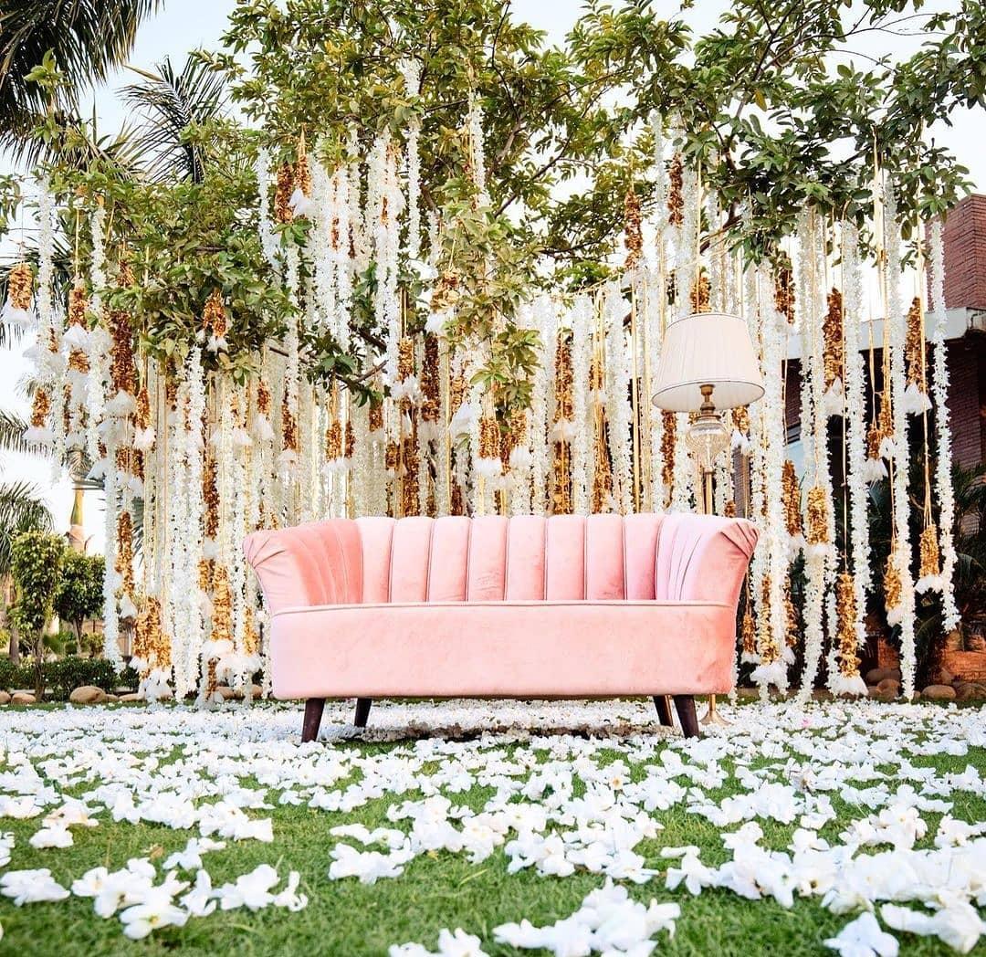 Neutral Peach Wedding Decor