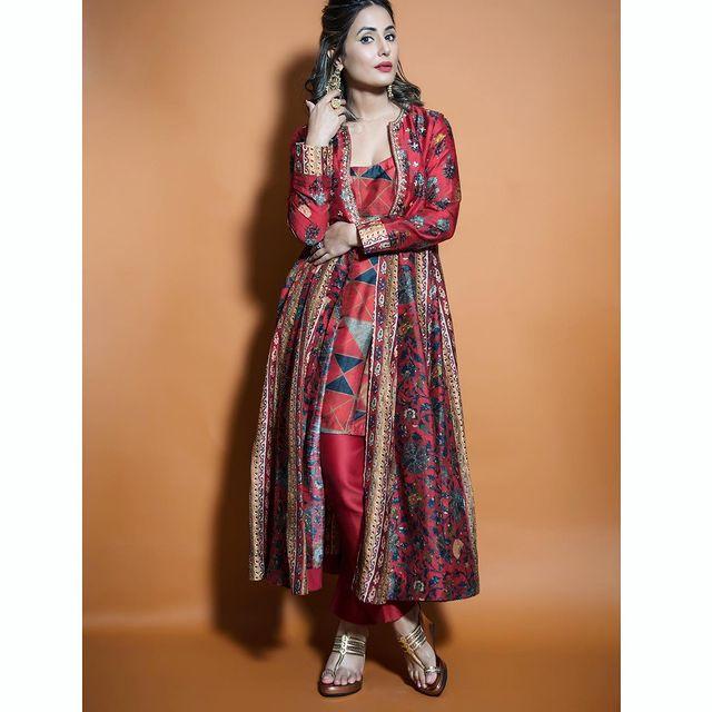 Red Bridesmaids Outfit Hina Khan