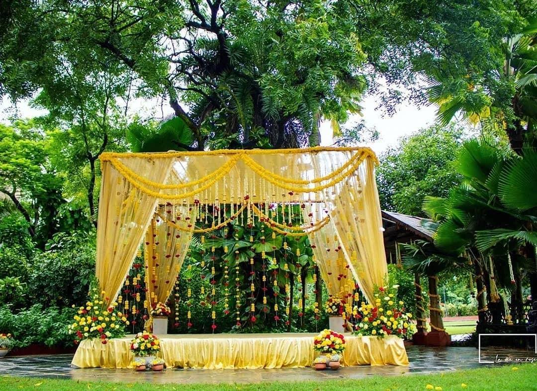 Yellow Decor for Pre-wedding