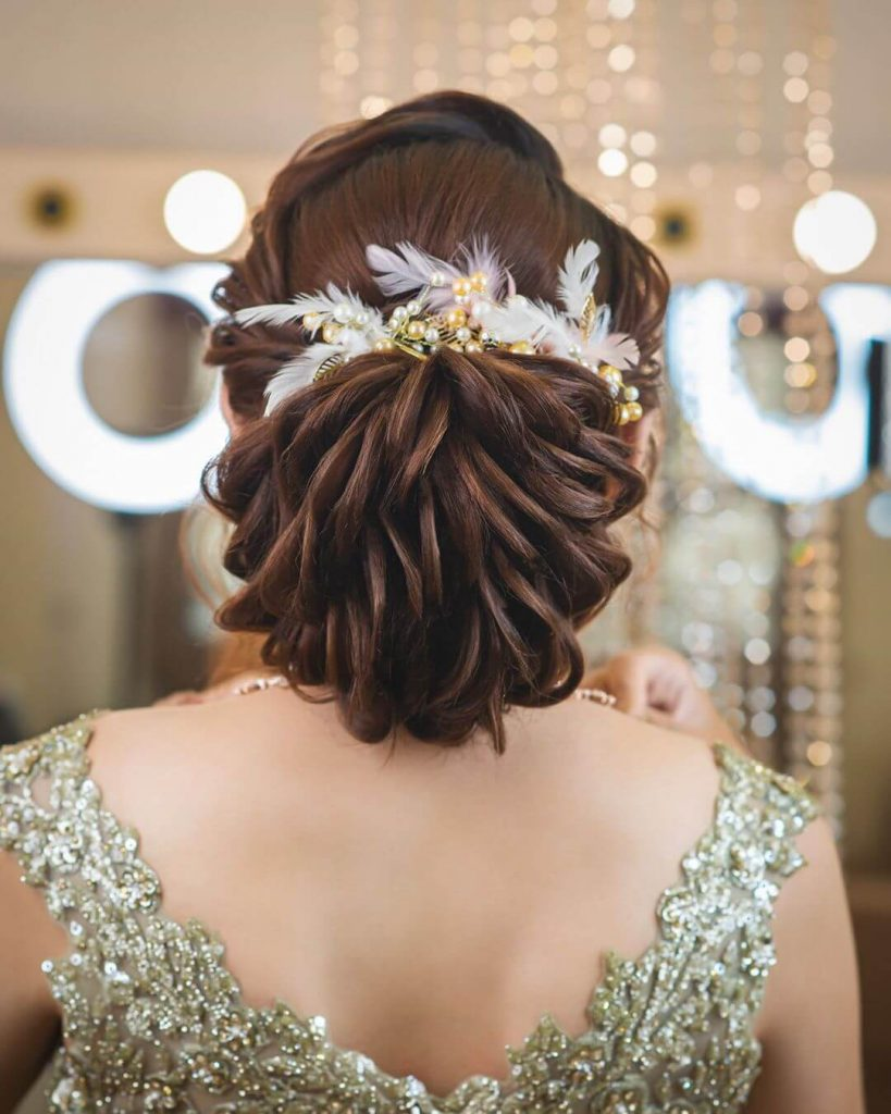 best bridal hairstyles with quirky accessories