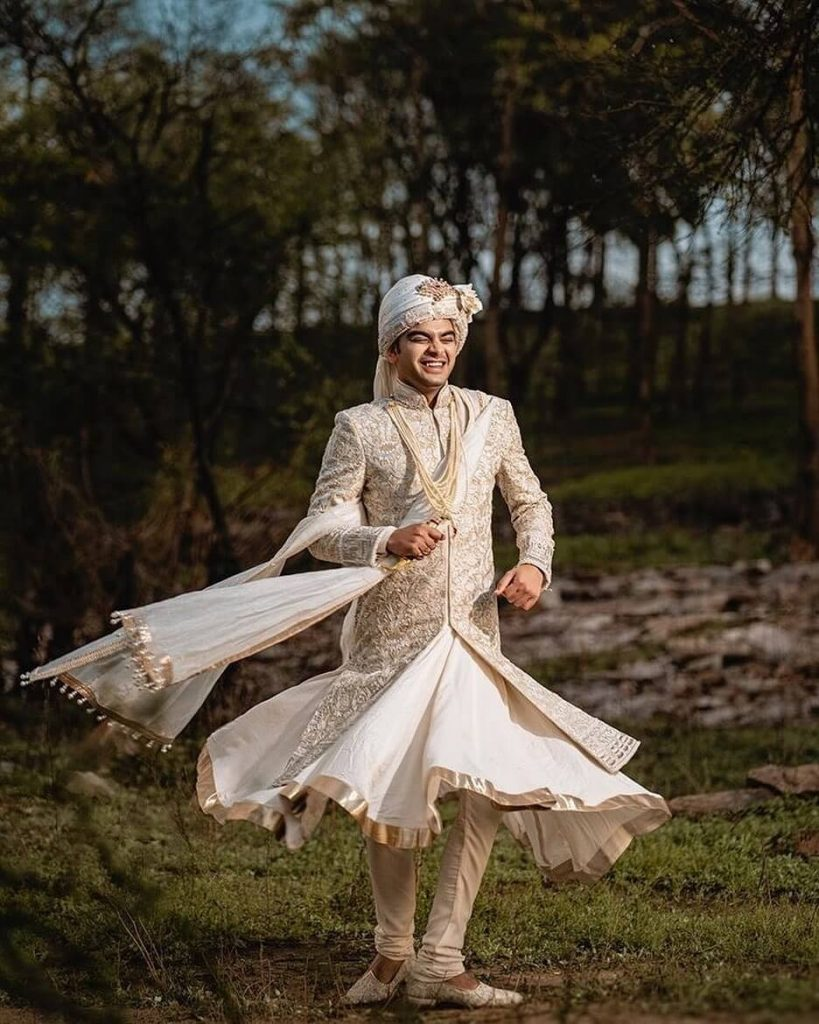 groom wedding outfits
