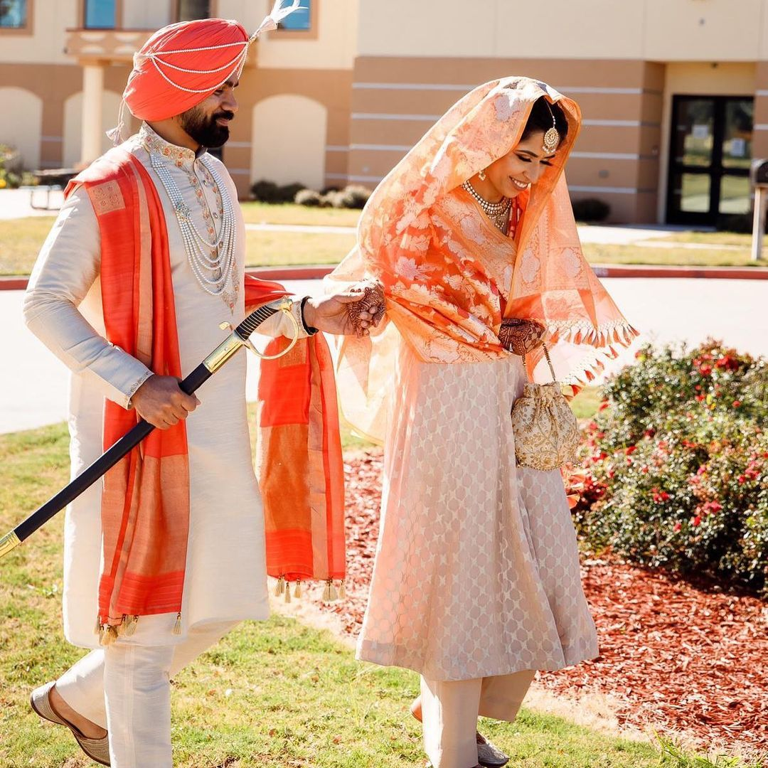 coordinated sikh couple