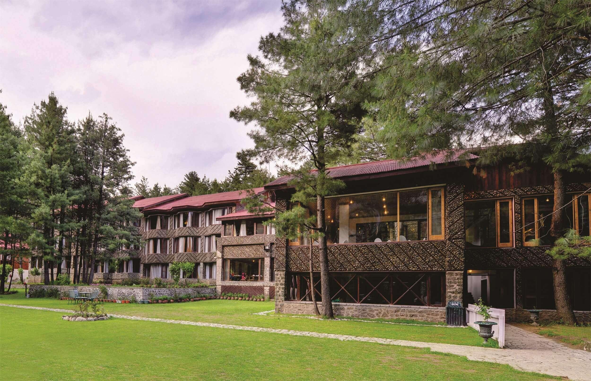 hotel pine n peak