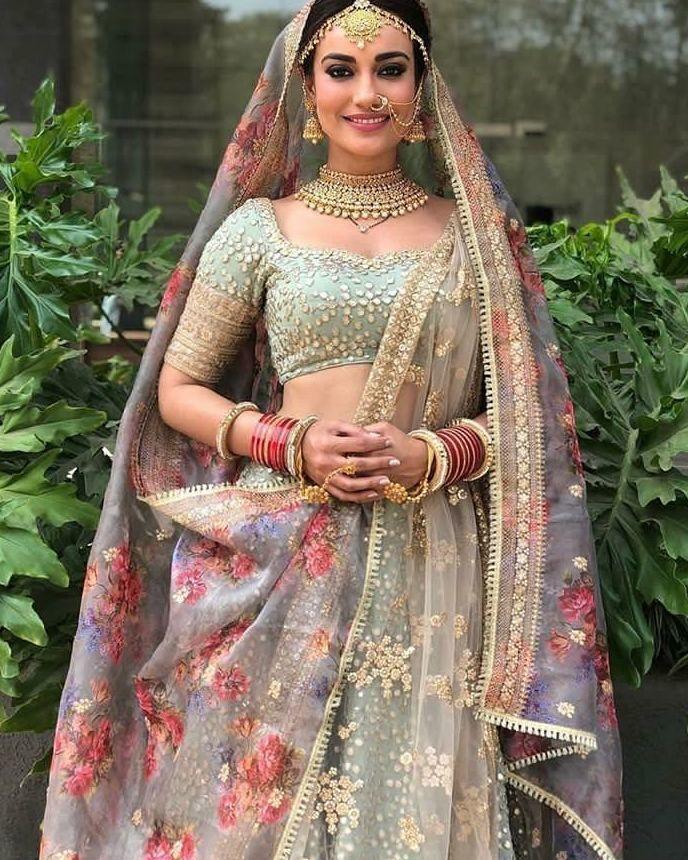 Surbhi Jyoti double dupatta styling