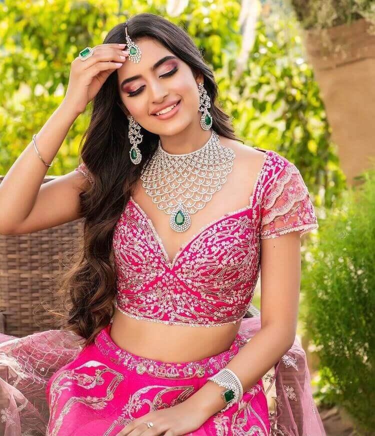 bridal blouse neckline designs
