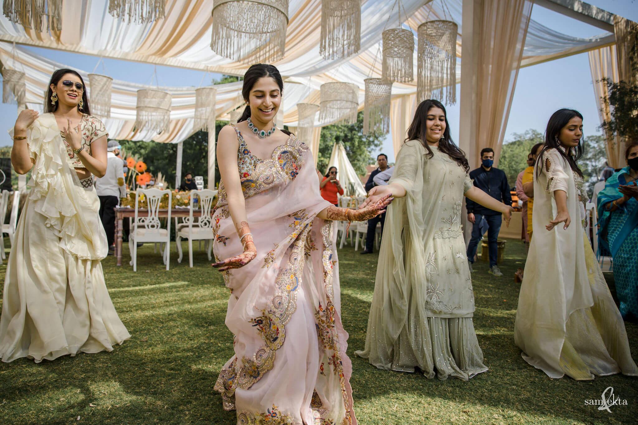 bride & bridesmaids dance