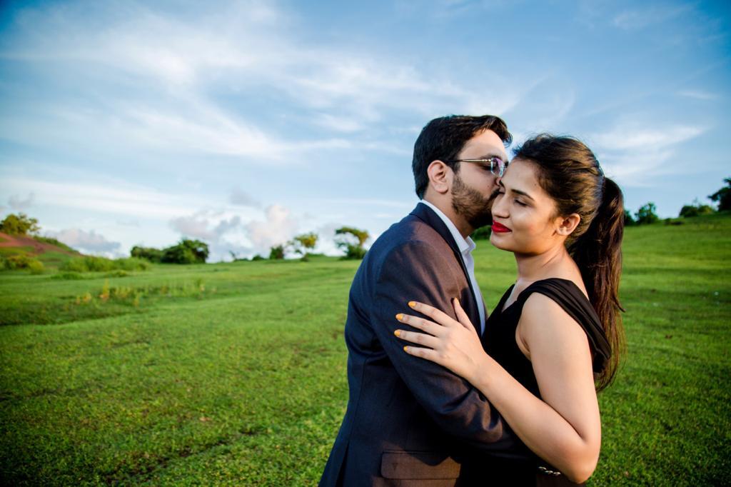 couple pre-wedding Goa shoot
