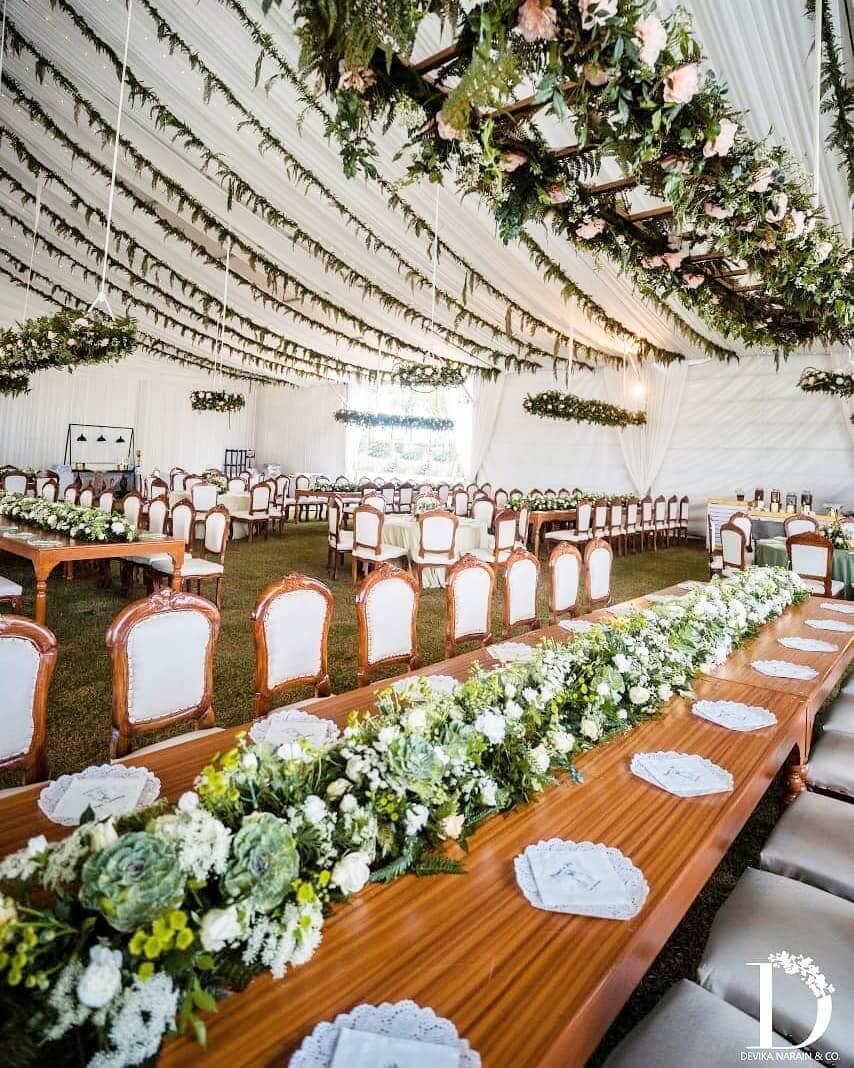 drapes table decor