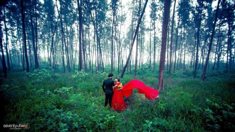 forest pre-wedding shoot