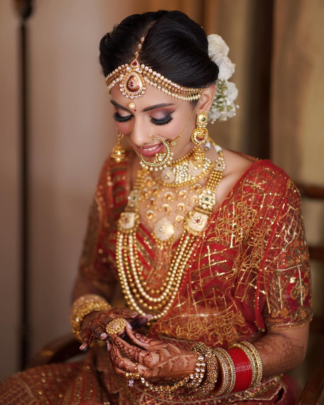 gold bridal jewelry with matha patti