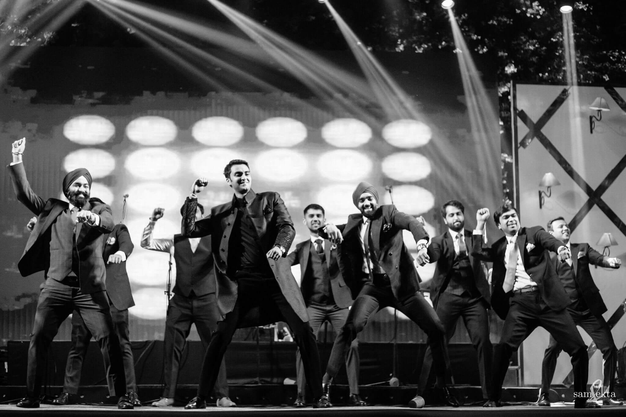 groomsmen bhangra performance