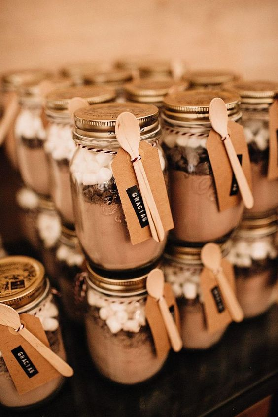 hot chocolate as wedding favors