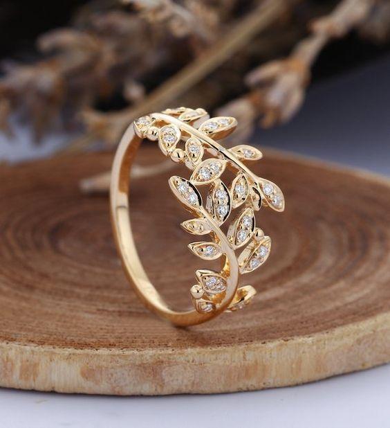 leaf motif wedding ring