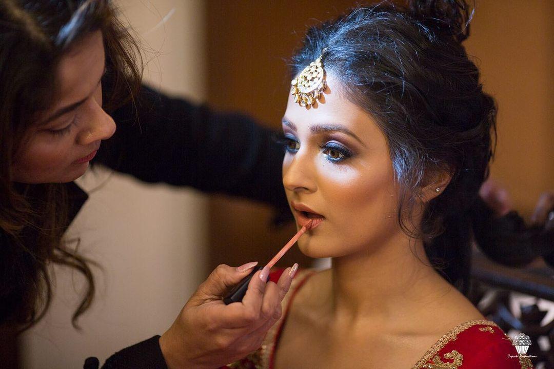 lip gloss makeup essentials