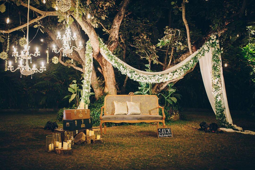 outdoor venue decor