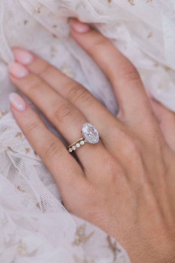 oval shaped ring design