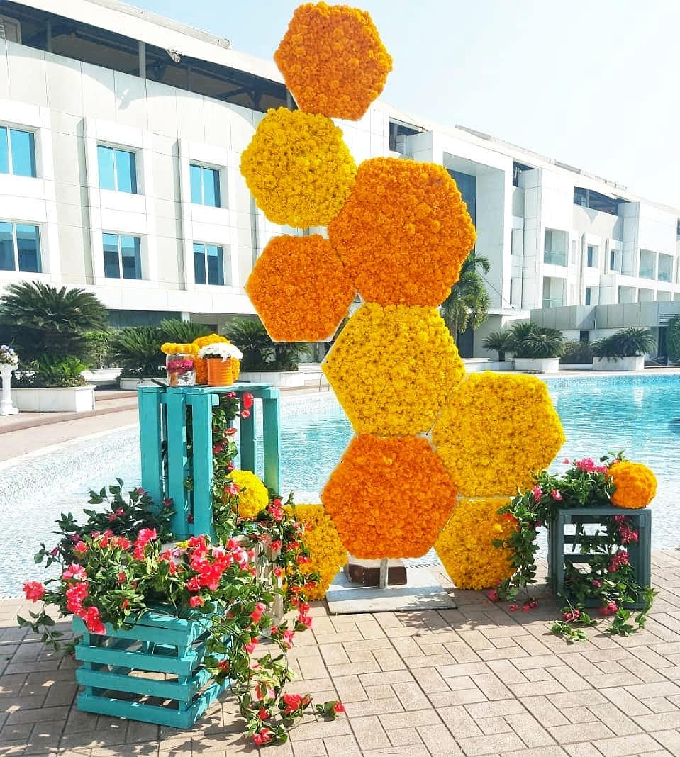 poolside photo booth decor