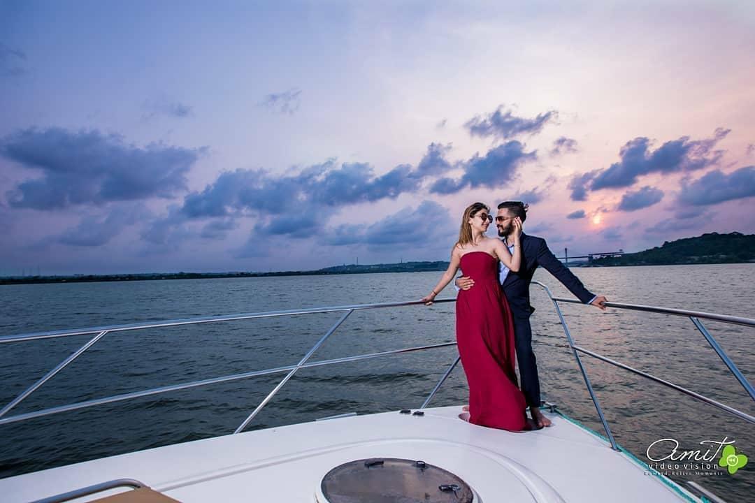 pre-wedding shoot on yacht