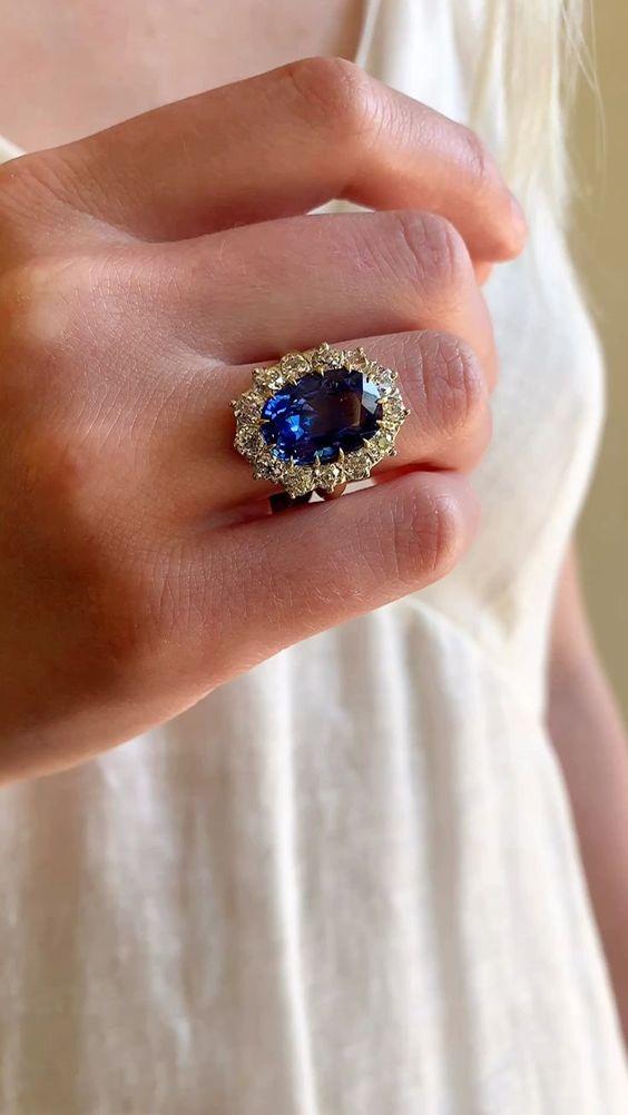 studded blue saphhire ring