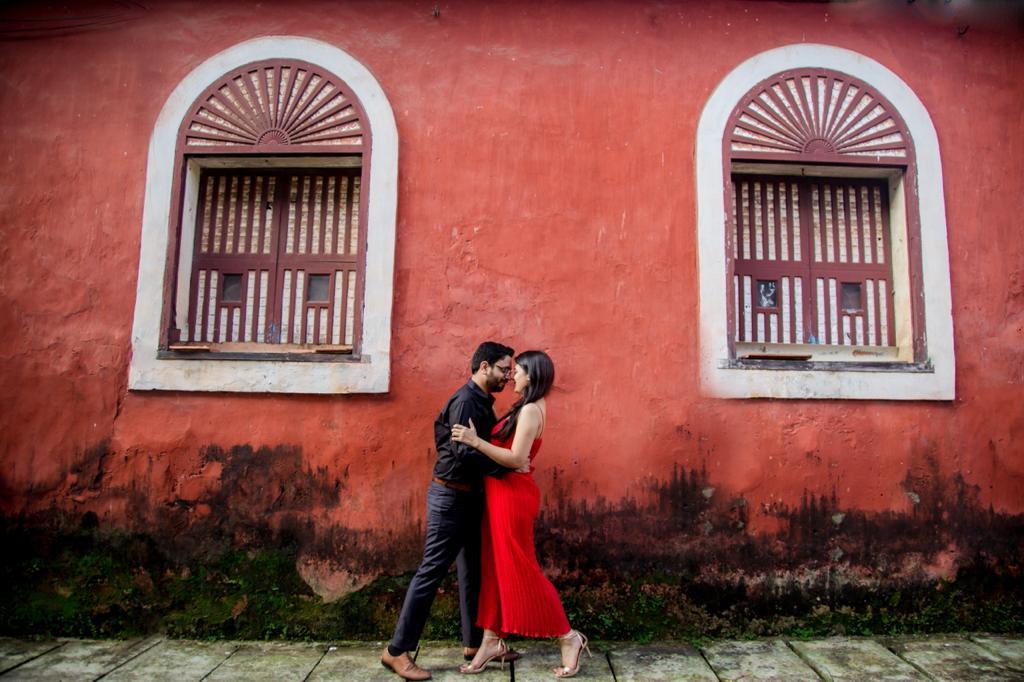 vibrant pre-wedding shoot