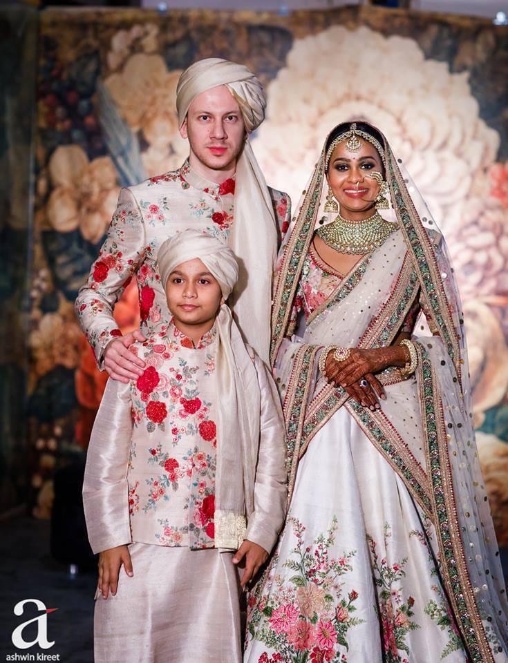 white bridal lehenga with double dupatta