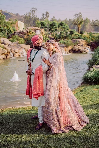 color coordinated punjabi couple