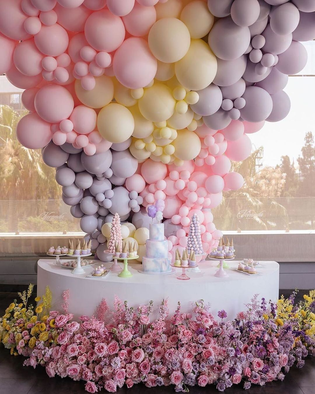 colorful ways to use balloons in wedding