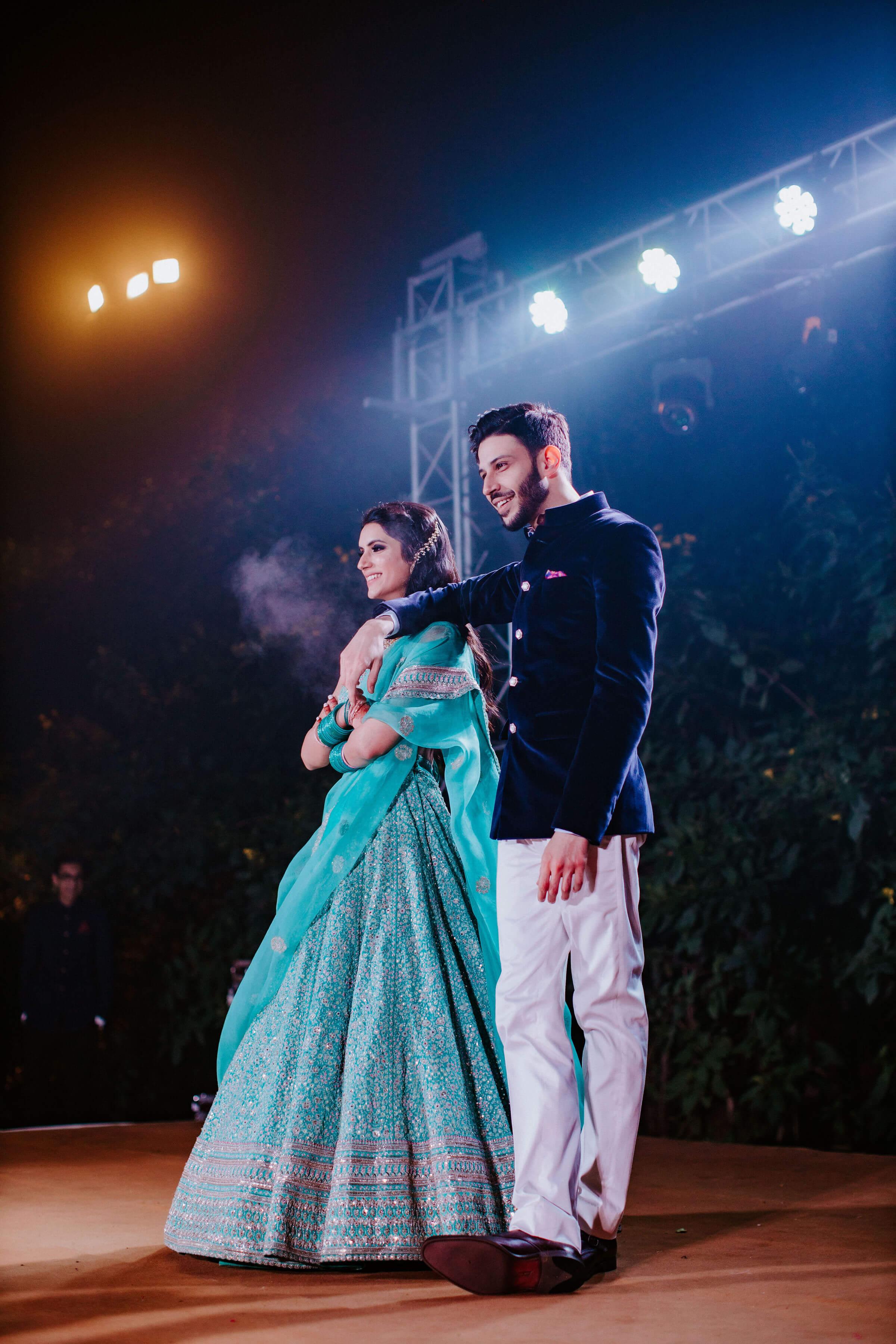 couple sangeet dance