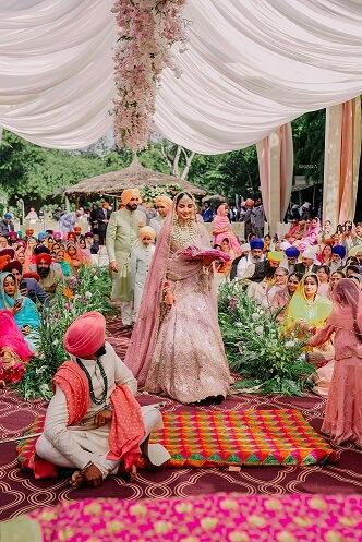 sikh bridal entry