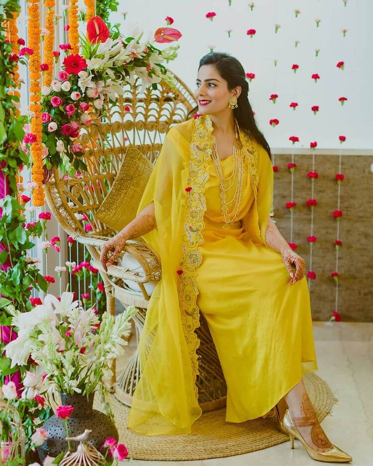 yellow wedding outfits