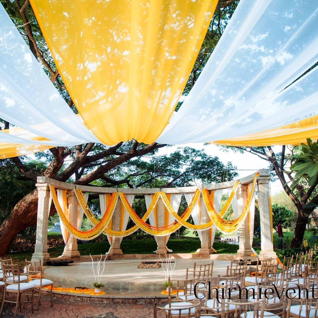 mandap marigold decor