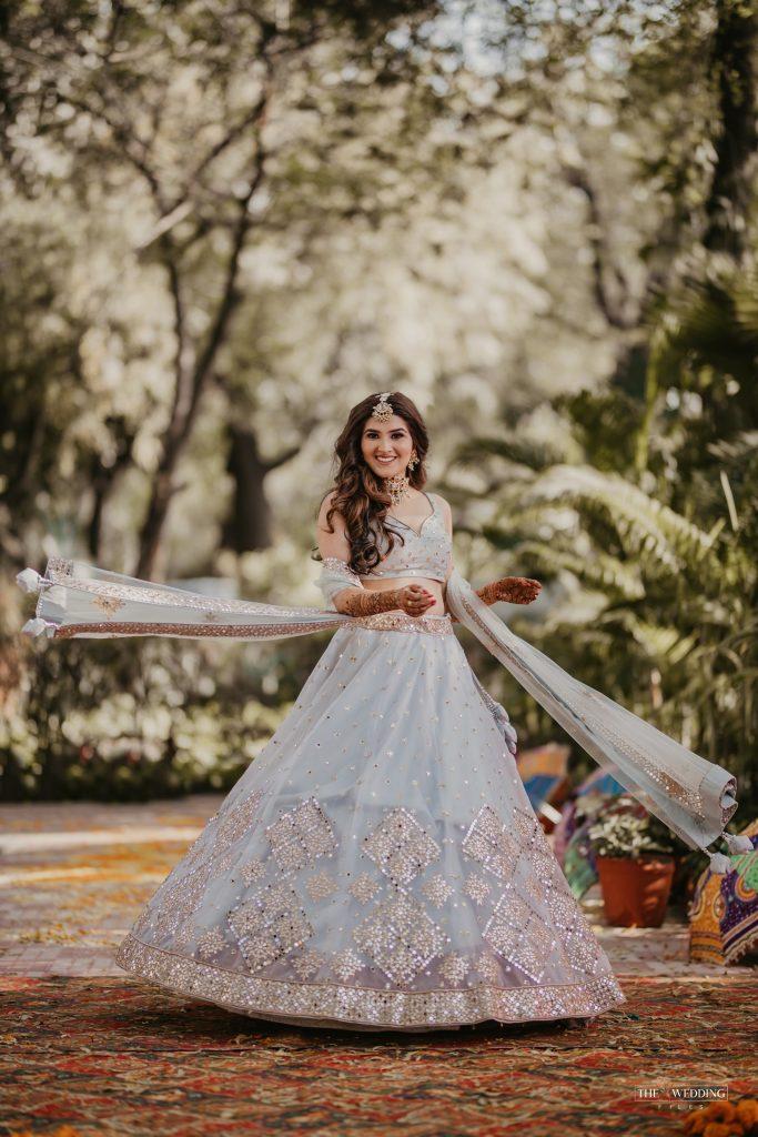 bridal mehendi lehenga