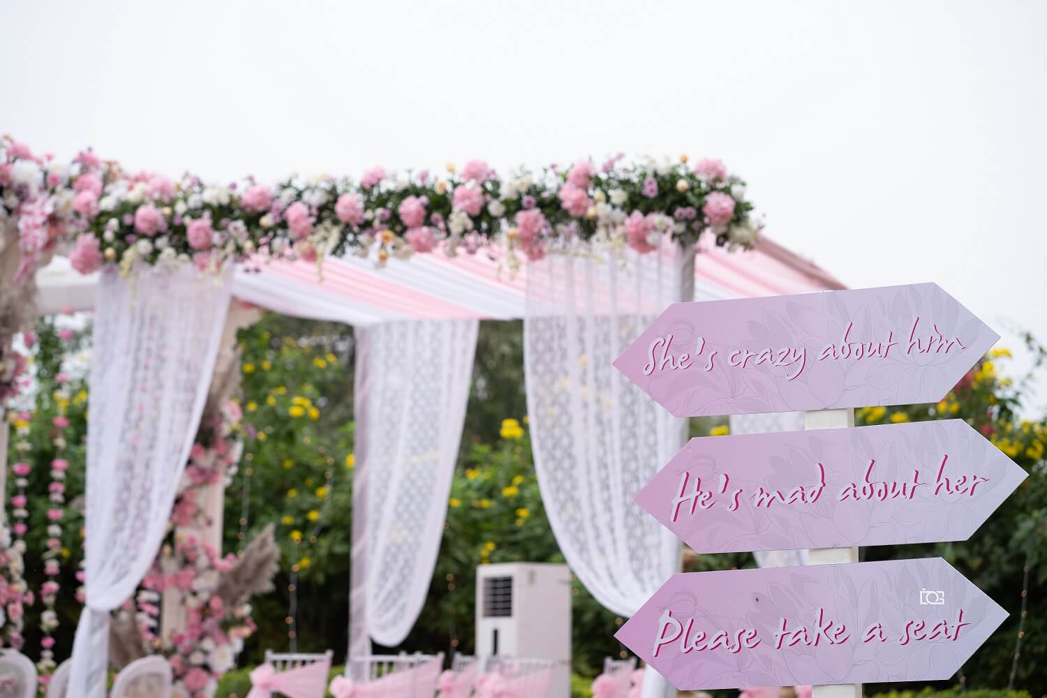 pink theme decor