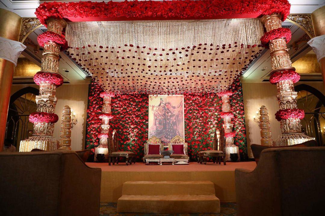floral ceiling decor