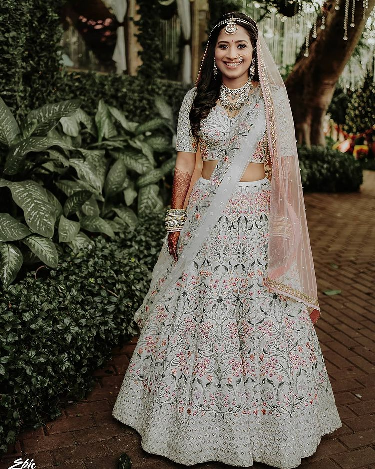 ivory wedding outfits