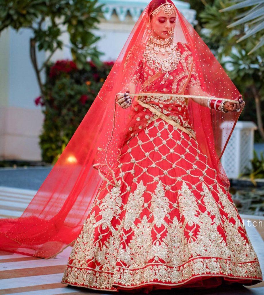 Manish Malhotra red bridal lehenga