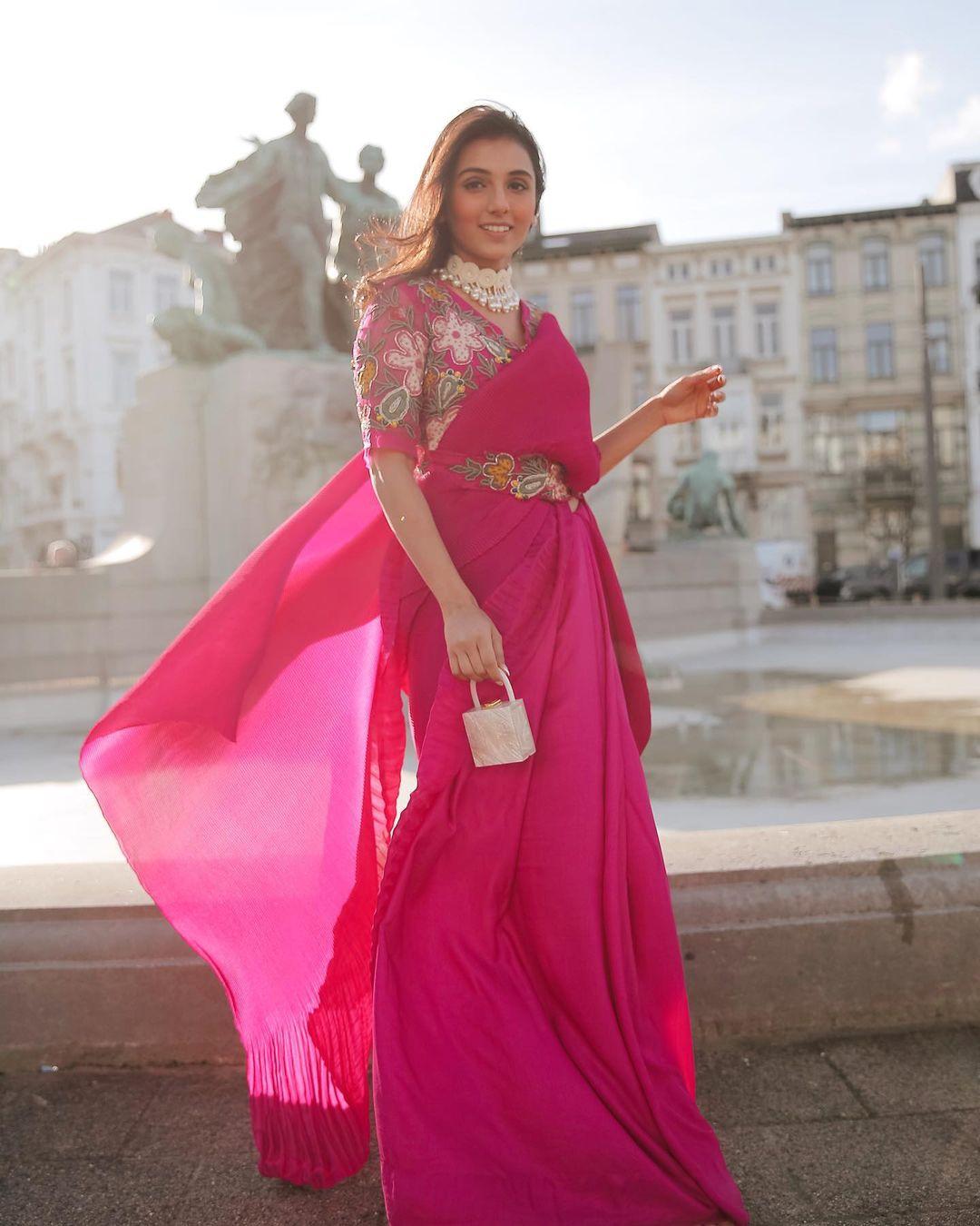 pink saree with belt