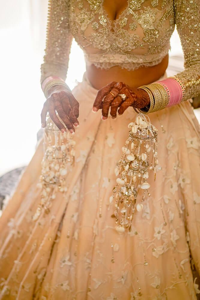 seashell kaleeras for brides