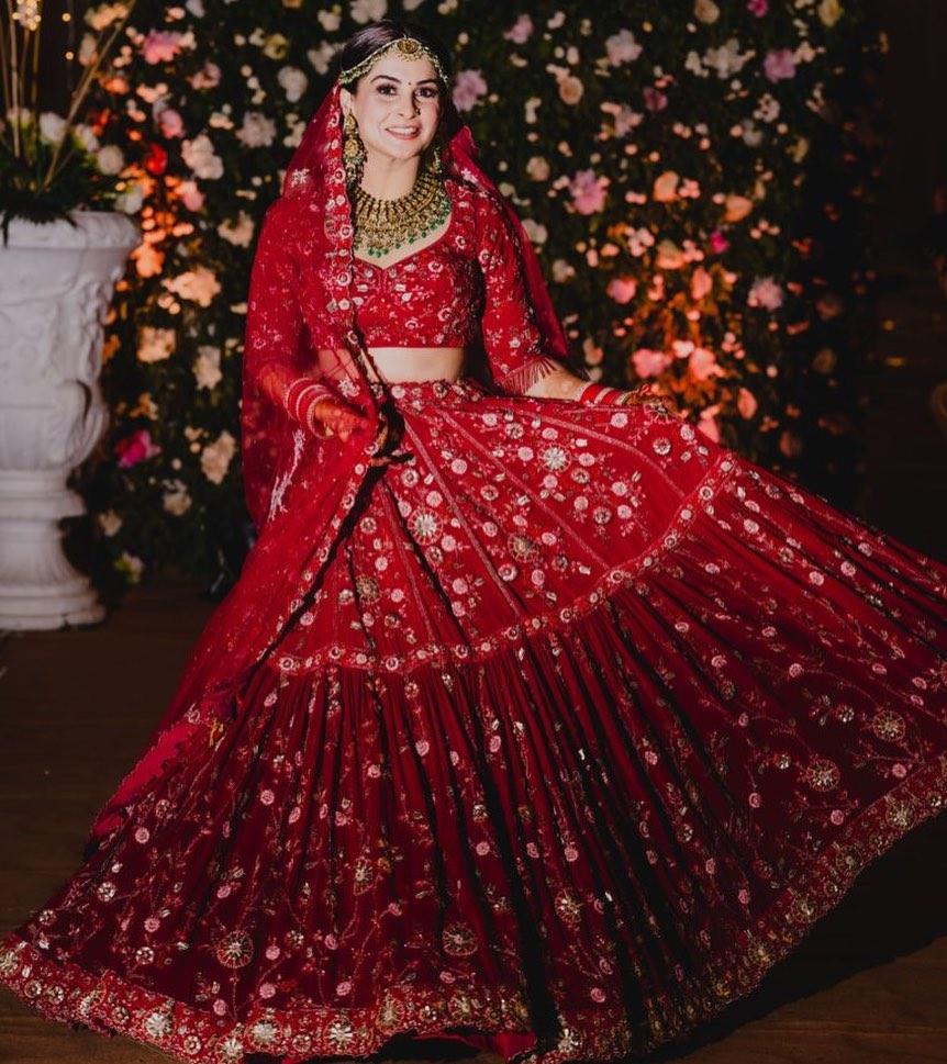 Payal keyal red bridal lehenga