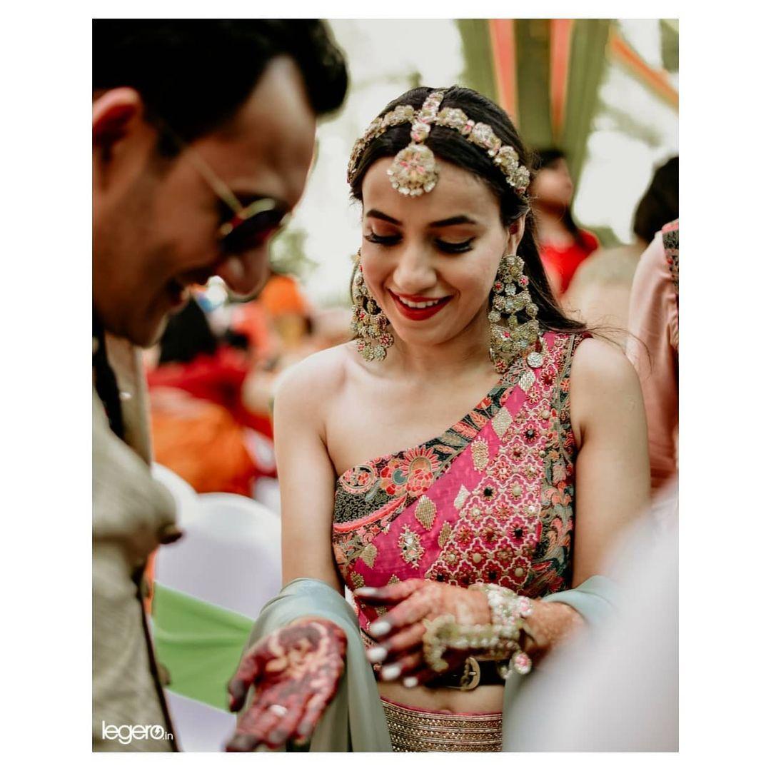 offbeat sheeshpatti for brides