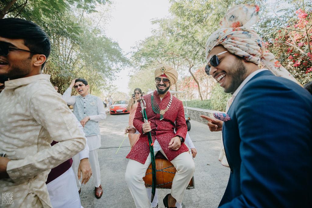 groom baraat photo