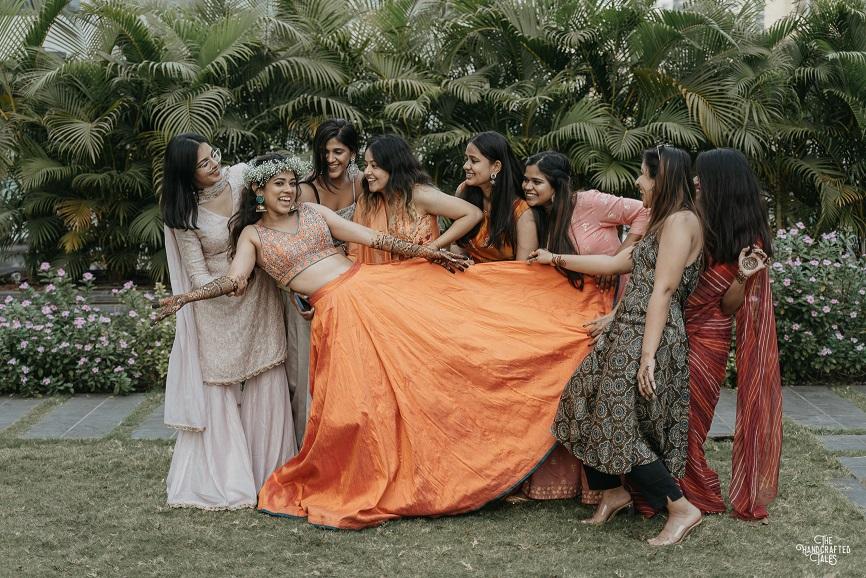 bridesmaids photoshoot